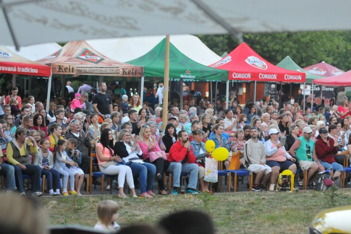 Ilustračný obrázok k článku Veľký pivný festival je predo dvermi: Ochutnávka najlepšieho piva a jedla na Zemplín feste!