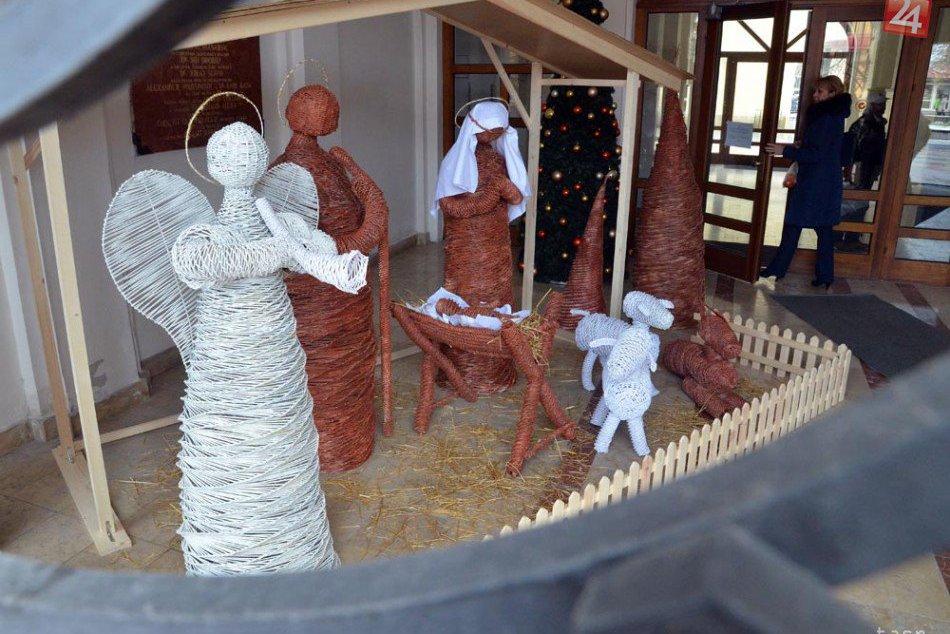 3da2bca8862c Ilustračný obrázok k článku Krásny symbol blížiacich sa sviatkov  Vianoce v  Michalovciach spríjemní aj betlehem